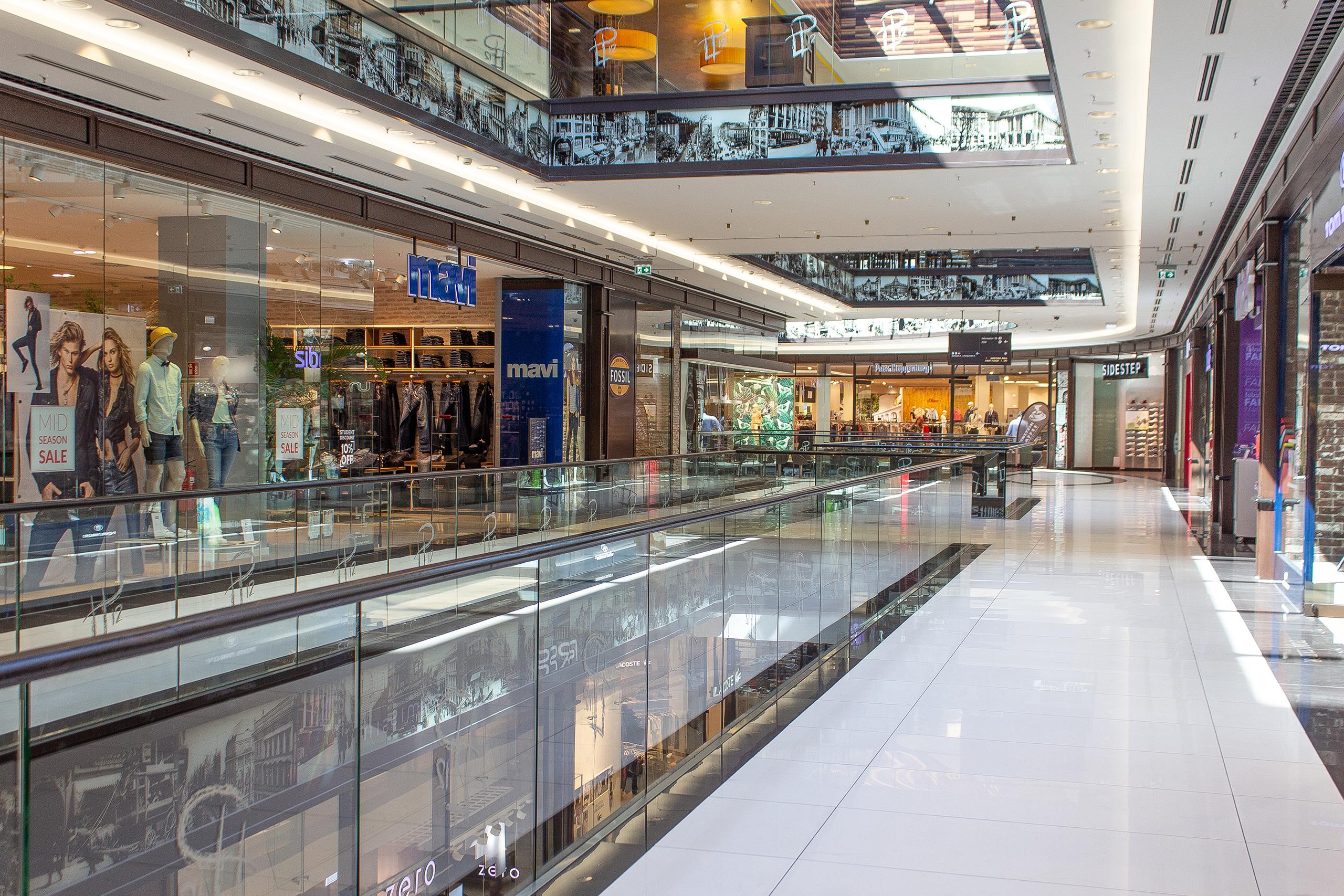 Phaneomen Shoppingcenter Raumgestaltung Conceptdesign Inszenierung Reuse Kapitalismus Museum Shopdesign Mall